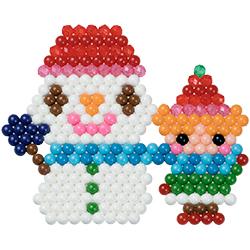 Bonhomme de neige et enfant